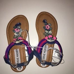 Steve Madden Small kids shoes size 10